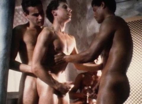 Jeune gay abusé au Maroc par les arabes en manque de sex